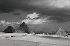 Egipto 6 (Eloy Rodríguez (+ 6.000.000 views)) Tags: pirámidesdeegipto egyptpyramids keops kefrén micerino gizeh giza esfinge granesfinge esfingedegizeh pirámides pyramid pyramids mezquitamehemetalí mehemetali mezquita mezquitas mosque falucas rionilo nilo nile thenile aswan valledelosreyes templodephilae philaetemple egipto egypt nubia pueblonubio nubios elcairo monumentos monuments eloyrodríguez gettyimages