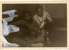 11 Juin 1967 (hyakoukoune) Tags: france 1967 11 juin june old vintage guitare guitar hommes jeunes found trouvé trouver photo photographie montreuil 93100 93