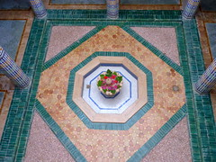 Blumenbecken-flower basin (Anke knipst) Tags: marokko morocco marrakesch hotel sanghoprivilege brunnen fontain