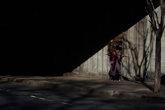 New York City 2018 (Thomas De Los Santos) Tags: yorkcity nyc newyork ny chasinglight chasing light shadow sombra manhattan brooklyn dumbo nikonlens nikoncameras nikond750 d750 fullframe man streetphotography street photography luz nikon 105mm