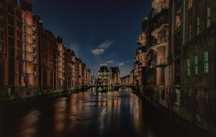 A moated castle in the center of Hamburg (ramerk_de) Tags: hamburg speicherstadt hdr nightfoto nordsee
