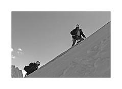 Souvenir de la Petite Verte (Yvan LEMEUR) Tags: petiteverte massifdumontblanc montblanc neige alpes alpinisme chamonix montagne mountain hautemontagne hautesavoie france extérieur argentière glace glacier alpinistes