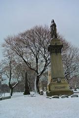Graceland 6 (cbillups) Tags: gracelandcemetery charliebillupschicago cemetery chicago