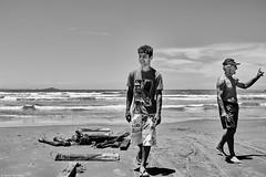 Brasilien 2017-18 Itapirubà Fischer 10 (rainerneumann831) Tags: brasilien itapirubà strand meer fischer boot bw blackwhite blackandwhite ©rainerneumann