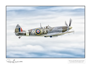 Flying alongside Spitfire HF IXe TD314 - 1945