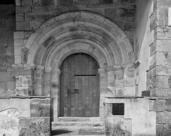 Pórtico  de San Martín de Hoyos - (Valdeolea)