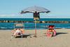 Un ombrellone, due lettini (Marte Visani) Tags: ombrellone spiaggia estate