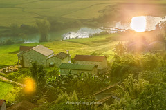 _Y2U0571.0917.Giốc Rùng.Phong Nậm.Trùng Khánh.Cao Bằng (hoanglongphoto) Tags: asia asian vietnam northvietnam northeastvietnam landscape vietnamlandscape vietnamscenery vietnamscene hdr afternoon sunlight sunny sunnyafternoon village house homes river reflection sun reflectionthesun thesunreflection mặttrờiphảnchiếu soibóng phảnchiếu ricefields fields canon canoneos1dx canonef200mmf28liiusm đôngbắc caobằng trùngkhánh phongnậm phongcảnh buổichiều bảnlàng nắng nắngchiều sông mặttrờisoibóng cánhđồng đồnglúa nhà nhữngngôinhà giốcrùng