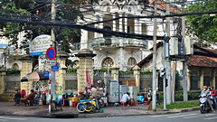 Busy Corner (VIETNAM) (ID Hearn Mackinnon) Tags: hanoi ha noi vietnam vietnamese viet south east asia asian 2016 travel culture building corner busy city urban
