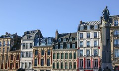 Lille, Grand Place - 1 (nican45) Tags: 16february2018 16022018 18270 18270mm 18270mmf3563diiivcpzd 2018 canon dslr eos70d february flanders flandres france grandplace lille placedugénéraldegaulle rijsel tamron vieuxlille architecture building column oldtown statue