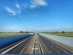 Midden Delfland (sander_sloots) Tags: freeway motorway polder midden delfland snelweg landscape dutch road weg lantaarnpalen streetlights lampposts philips iridium armaturen lanterns
