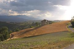 Cascina_01_00 (Francesco Cattoni) Tags: langhe piemonte provinciadicuneo