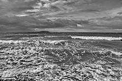 An der Ostsee (garzer06) Tags: wolken deutschland dranske wasser wellen ostsee inselrügen mecklenburgvorpommern insel rügen