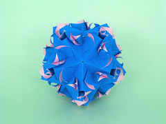 Vaudeville (masha_losk) Tags: kusudama кусудама origamiwork origamiart foliage origami paper paperfolding modularorigami unitorigami модульноеоригами оригами бумага folded symmetry design handmade art