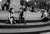 Pareja en el escalón (Ricardo A Sáenz) Tags: stairs gente cdmx mexicocity ciudaddeméxico street people escalera couple pareja x100t fujifilm calle