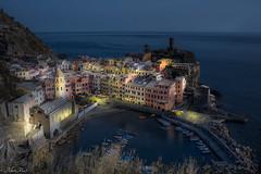 vernazza night (AlbertMu7) Tags: seascape italia alberto muñoz albertmu night italy cinque terre unesco world heritage village