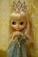 Beauty Queen... (Primrose Princess) Tags: takara blythe doll darlingdiva atomicblythe dollycouture princess queen beautyqueen beautypageant missuniverse dollydreamland primroseprincess crown tiara