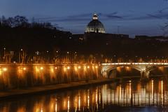 Nachts in Rom (airamatina) Tags: tiber rom petersdom