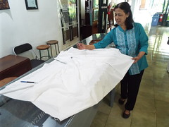 Traditional Batik making in Yogyakarta, Indonesia (sean and nina) Tags: yogyakarta yogya yogja indonesia indonesian south east asia asian island java batic fabric design printing making traditional skills custom culture cultural clothing items wood industry factory workshop indoor inside february 2018 spring machine presses people persons candid shop manufacturing sell selling outlet hand made skill