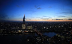 IMG_1587_stitch (AndyMc87) Tags: london sky garden shard scherbe sunset skyline themse river city bridge night clouds ilumination lights gb uk canon eos 6d 2470 l travel holiday top ufer promenade stitch ice reflection