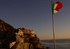 flag (fab_05_95) Tags: italia flag bandera cinque terre color sunset backgrodund fondo photo photography italy atardecer nikon power