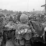 Huế 1968 Tet Offensive - Evacuation of wounded troops during the battle for Hue thumbnail