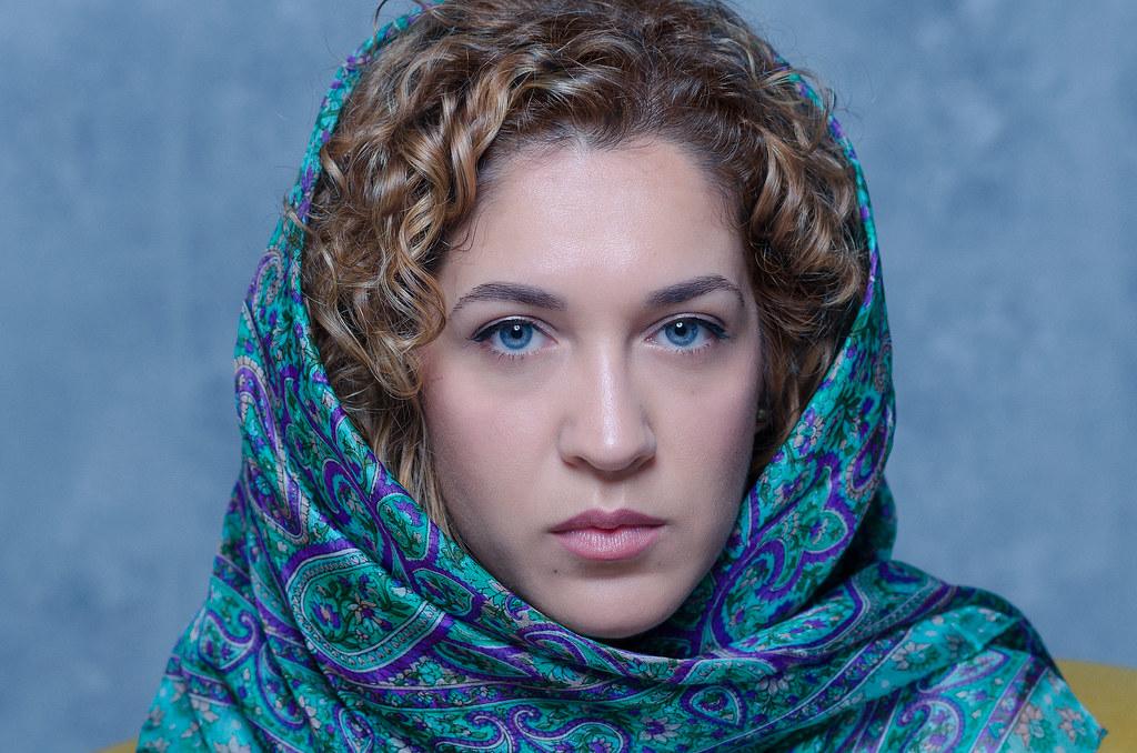 muslim girl blue eyes