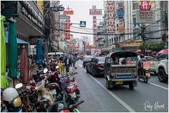 Vignette of Lively Bangkok (RudyMareelPhotography) Tags: bangrak bangkok silomroad streetlife thailand street streetphotography flickrclickx flickr ngc