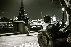 Run Forest... run! (haris.krikelis) Tags: runner running relax night cold london thames