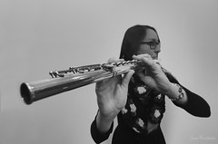 Kornelia & the indian flute (Red Greg) Tags: flute indianflute music musician querflöte portrait weitwinkel bw sw schwarzweis