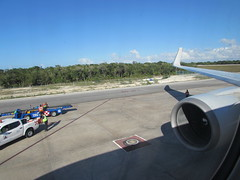 IMG_9899 (kr77W) Tags: cancunairport cancun mexico americanairlines unitedairlines deltaairlines airtransat sunwingairlines jetblue southwestairlines latam volaris lanairlines tui neos vivaaerobus airport airline airplane aviation airbus boeing 737 757 767 787 a321 a330 a320