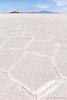 77. Ile au milieu de rien, Salar, Bolivia.jpg (gaillard.galopere) Tags: 1635mm 1635mmf28 2017 5d 5dmkiii apn americadelsur amériquedusud b blanc bol bolivia bolivie canon lis overland overlander overlanding southamerica travel bianco blanco camera couleur cristal cristaux cámara désert f28 foto grand grandangle géologie latinamerica lens mkiii open outdoor photo photographie photography reflex sal salar salt sec sel uyuni white wide wideangle