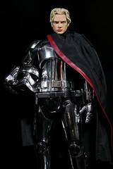 Phasma Unmasked (kevchan1103) Tags: star wars episode vii viii the force awakens last jedi captain phasma mafex medicom toys action figure