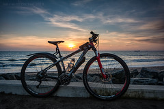 Specialized Sunrise (ianrwmccracken) Tags: 29er bicycle nikon prom sigma water specialized bike sunrise ianmccracken sea fife ndgrad 1020mm formatt scotland d7100 hitech cloud carve sky riverforth kirkcaldy shore coastalpath morning coast