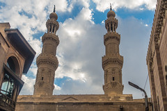 20180101 Cairo, Egypt 08894-559 (R H Kamen) Tags: cairo egypt egyptianculture islam middleeast northafrica architecture buildingexterior builtstructure day lowangleview minaret mosque outdoors rhkamen tower