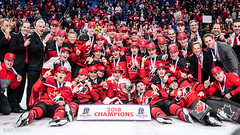 Champions! (R1ku Exposures) Tags: jääkiekko usa worldjuniors buffalo nuortenmmkisat urheilu wjc2018 ny teamcanada canada sportsphotography sports sport hockey hockeyphotography champions champs worldjuniors2018 wjc wjcinbuf icehockey ice keybankcenter celebration celebrations teampicture
