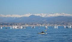 un dimanche de janvier (b.four) Tags: mer mare sea montagna mountain montagne bateau boat antibes alpesmaritimes ansedelasalis optimist