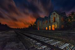 """""""La redención de la pobreza"""" (Fernando Guerra Velasco) Tags: decay urbex ferrocarril tren nocturna lightpainting estación"""