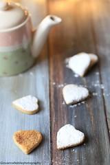 Biscottini alla cannella 2 (Giovanna-la cuoca eclettica) Tags: cookies teapot tea biscotti stilllife food indoor wood colors