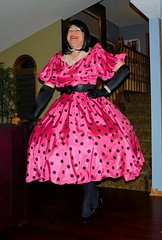 Fuchsia 1 (Deedee Fullskirt) Tags: crossdresser petticoat transvestite highheels fullskirt