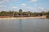 Floating bridge and main gate of Angkor Wat (Erik Strahm) Tags: water seasia2017 khmer ruins houseofworship buddhisttemple angkorwat siemreap cambodia kh