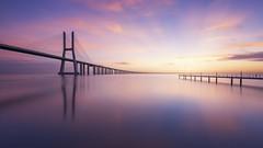 Vasco da Gama Sunrise (Raúl Podadera Sanz) Tags: vascodegama puente bridge lisboa portugal europe rivertajo riotajo sunrise