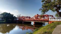 Puente - Bridge (Raúl Alejandro Rodríguez) Tags: rarb1950 puente bridge riachuelo árboles trees costas banks agua water victorino de la plaza avellaneda provincia buenos aires province argentina