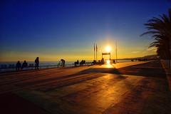 PROMENADE DES ANGLAIS (David.ADNPics) Tags: alpesmaritimes sunset couchedesoleil tombeedujour borddemer bluehour landscape frenchriviera france horizon nice nizzalabella pietons paca promenadedesanglais urbanpic