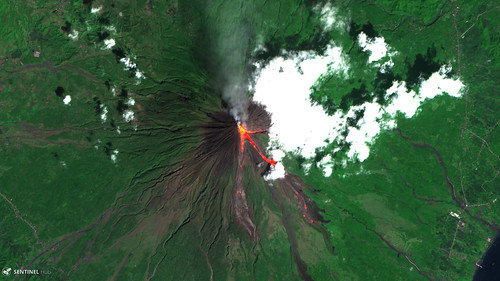 Mount Mayon Sentinel-2 L1C from 2018-02-09 (1)