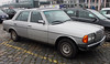 W123 (Schwanzus_Longus) Tags: bremen spotted spotting carspotting german germany old classic vintage car vehicle sedan saloon mercedes benz w123 230e