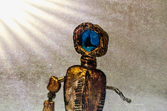 Take me to your Leader... (Vanessa wuz here) Tags: diyprops 90mm diy toys macro macrotoys 7dwf alien robot lighting creative gold blue marble madeofclay