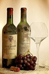 Péchés mignons (www.sophiethibault.ca) Tags: bouteilles vin