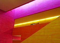 Zürich, Schulhaus Scherr (duqueıros) Tags: schweiz suisse svizzera switzerland zürich zurich schulhaus school schulhausscherr colours farbig geometrie geometry modern art kunst wand wall duqueiros