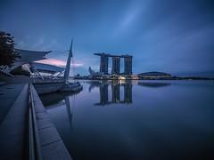 Singapore city (angthiamhoe) Tags: tourismsingapore longexposure waterfront cityscape dawninsingapore marinabaysand
